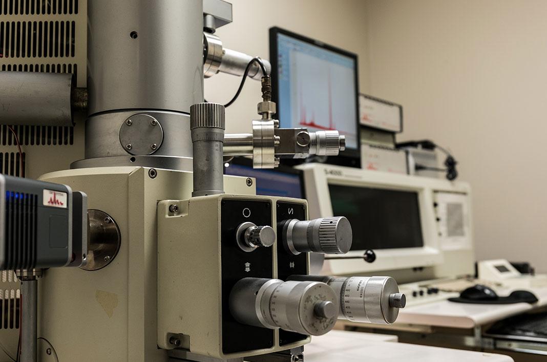 Energy Dispersive X-ray microanalysis (EDS)