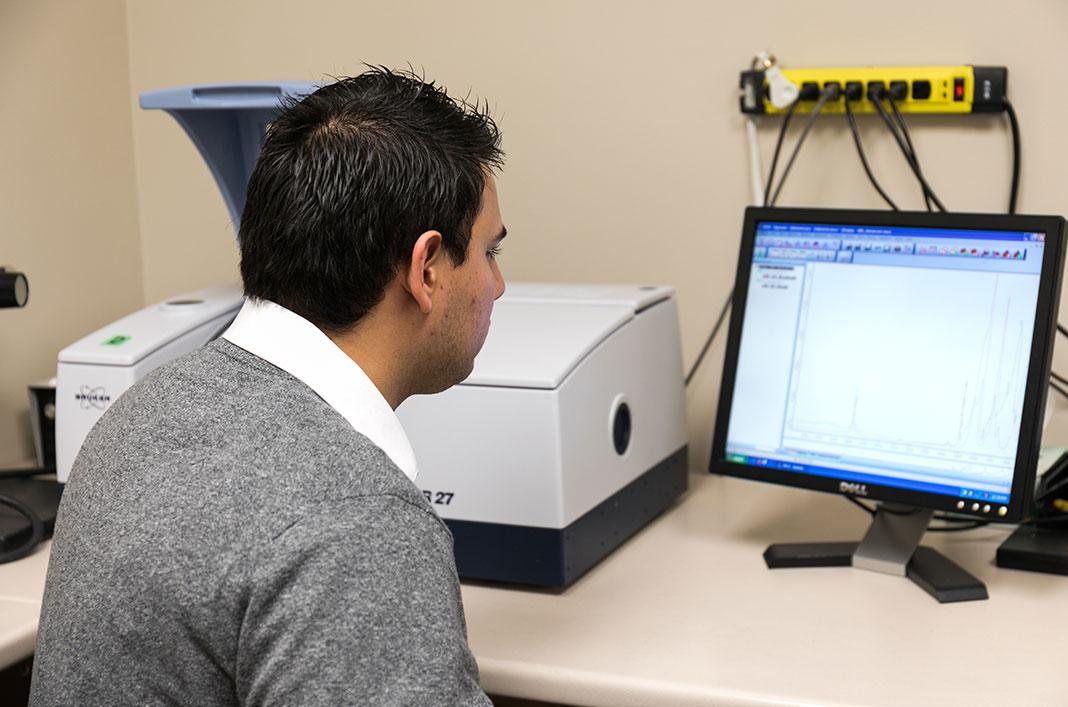 Fourier-transform infrared spectroscopy (FTIR)